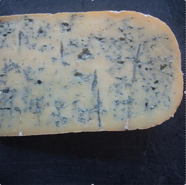 Bleu de Gex : Fromage à base de lait cru de vache