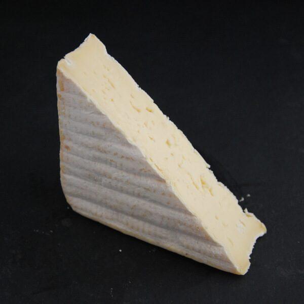 Pont l'évêque : Fromage à croute lavée à base de lait cru de vache