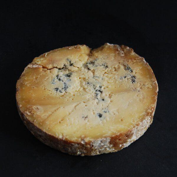 Fourme de Montbrison : fromage au lait cru de vache