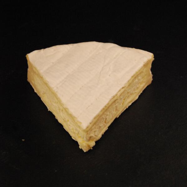 Brie de Nangis : Fromage au lait cru de Vache à croûte fleurie