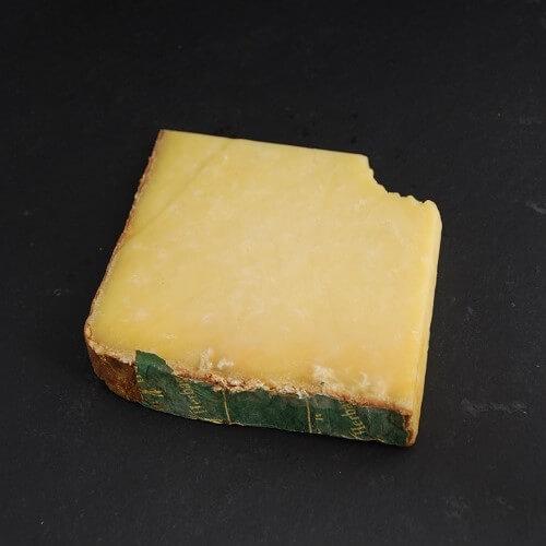 Cantal Entre Deux : Fromage au Lait cru de Vache