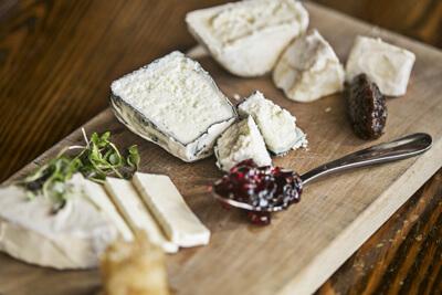 Composer un plateau de fromage appétissant