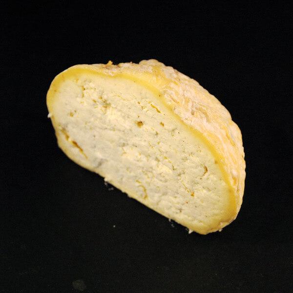 Gaperon Fermier : Fromage au lait cru de vache