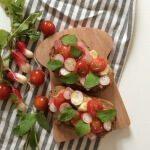 Tartine Chabi Pyrénées roti porc tomates cerises radis huile d'olive menthe