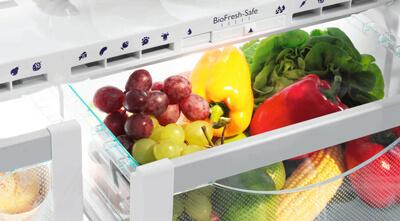 Conserver le fromage dans le bac à légumes du réfrigérateur
