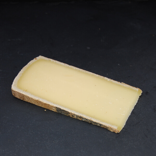 Etivaz : Fromage au lait cru de Vache à pâte pressée cuite