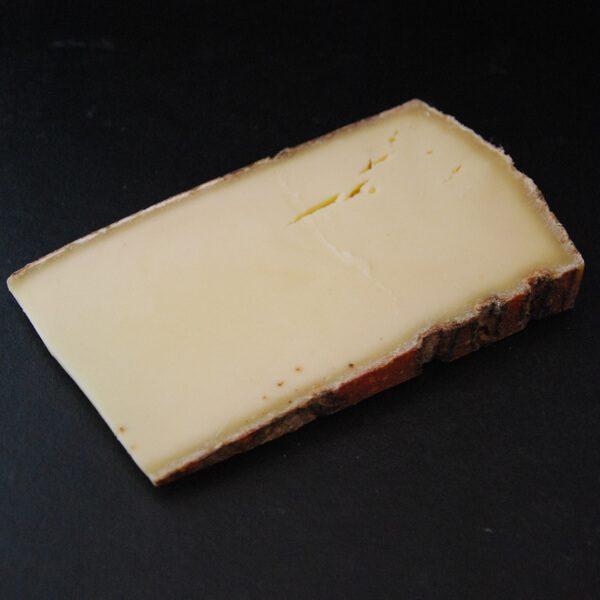 Skieur : Fromage au lait cru de Vache à pâte pressée cuite