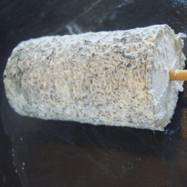 St Maure de Touraine : fromage au lait cru de chèvre