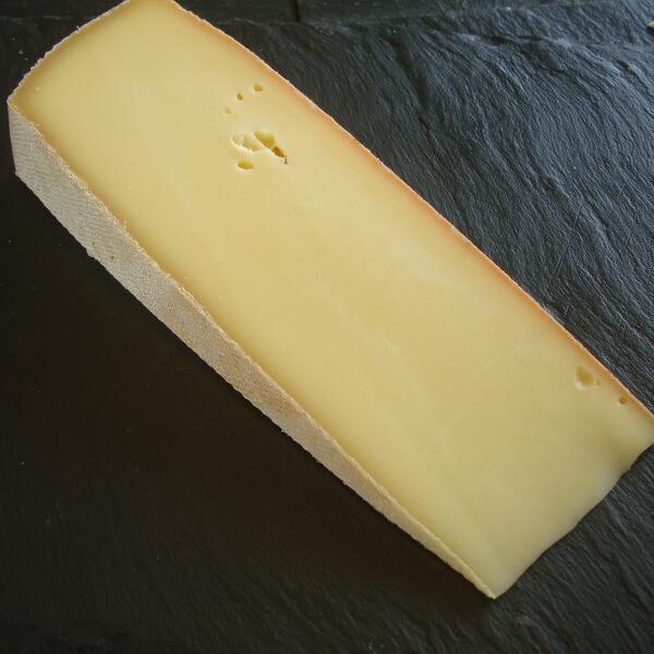 Raclette du Jura : fromage au lait cru à pâte pressée non cuite