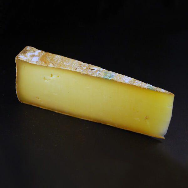 Fontina : Fromage au lait cru de vache