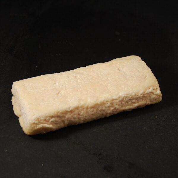 Briquette du Cantal : Chèvre au lait cru à croûte naturelle