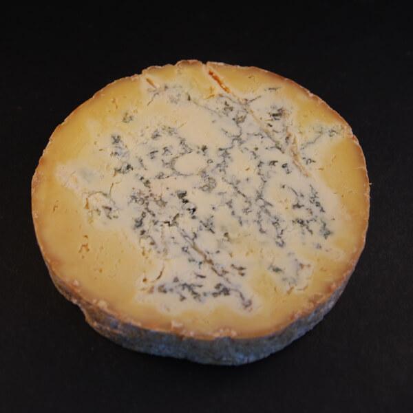 Fourme de Montbrison : Fromage au lait cru de vache et pâte persillée