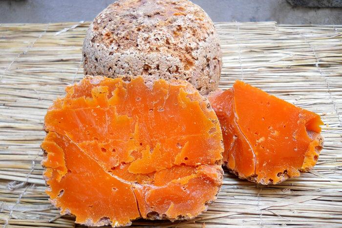 Pourquoi la mimolette est orange ?