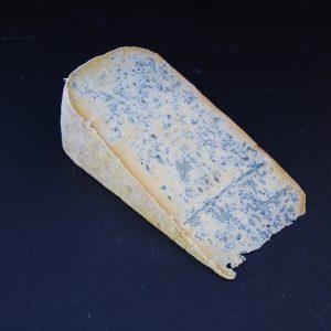 Bleu de Gex : Fromage persillé à base de lait cru de vache