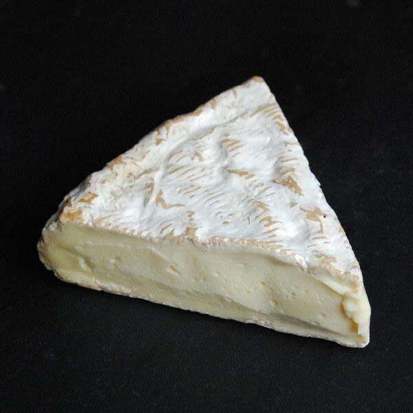 Brie de Melun : fromage à croûte fleurie au lait cru