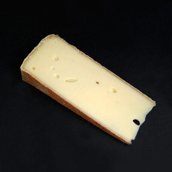 Vacherin Fribourgeois : Fromage au lait cru de Vache à pâte pressée non cuite