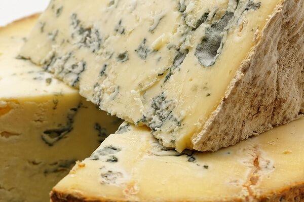 Tout savoir sur la fabrication de fromage à pête persillée