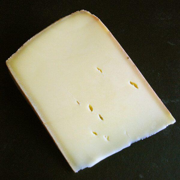 Gruyère Francais : Fromage au lait cru de Vache à pâte pressée cuite