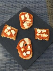 Toast Poivronnade et chèvre Petit Louvie