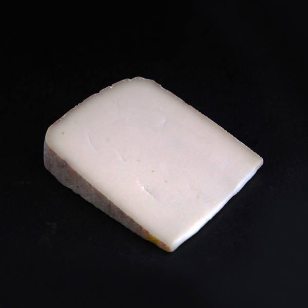 Cabrera : fromage à pâte pressée non cuite