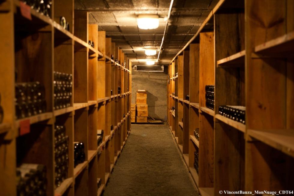 Comment créer et organiser sa cave à vins personnelle ?