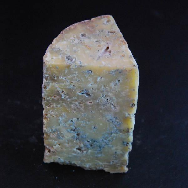 Fourme fermière Valcivieres : fromage de vache à pâte persillée