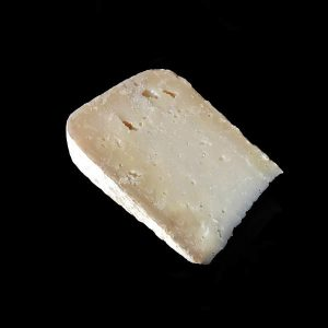 Kukulu Vieux : fromage au lait cru de Brebis et de chèvre à pâte pressée non cuite