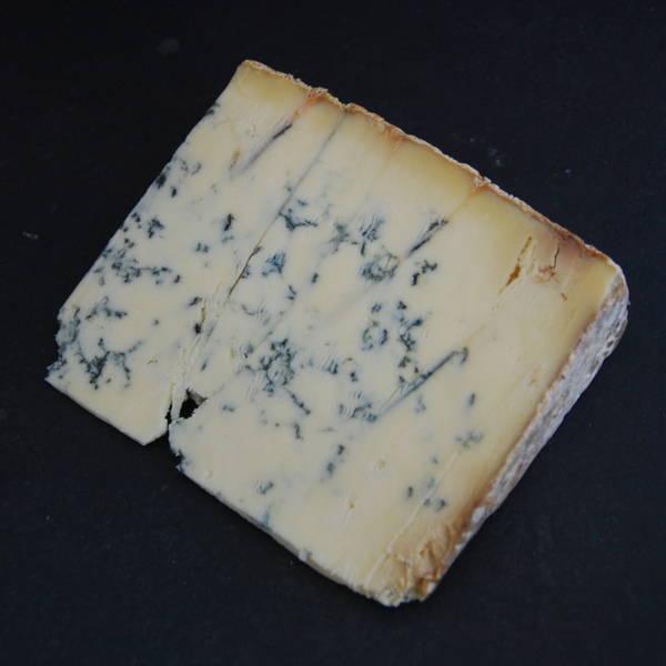 Stilton : Fromage persillé à base de lait pasteurisé de Vache