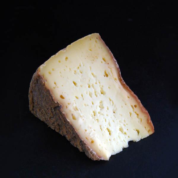 Tomme de Rhuys : fromage au lait cru de vache à pâte pressée non cuite