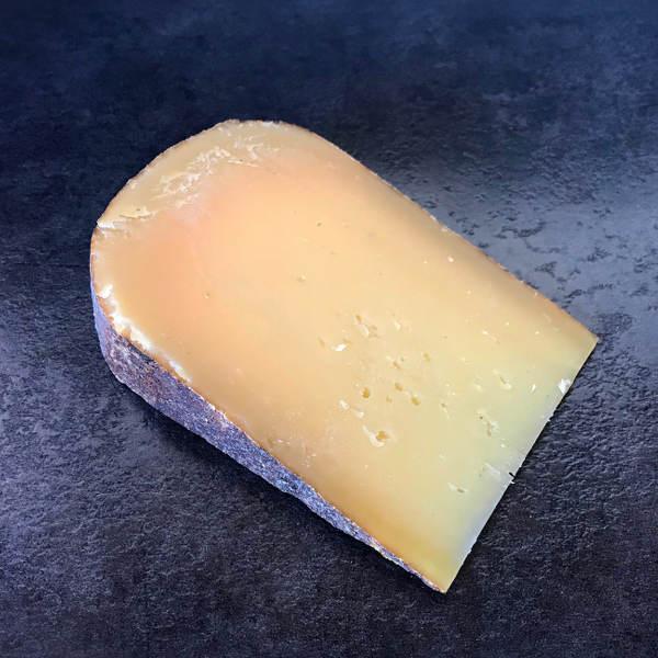 Tomme du Berry demi-vieille : fromage au lait pasteurisé de vache à pâte pressée non cuite